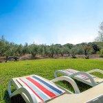 Finca Mallorca MA4313 Garten mit Sonnenliegen