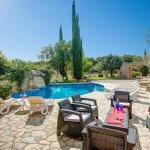 Finca Mallorca MA4313 Gartenmöbel auf der Poolterrasse