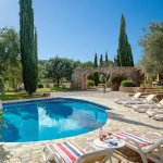 Finca Mallorca MA4313 Gartenmöbel um den Pool
