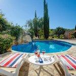 Finca Mallorca MA4313 Pool mit Sonnenliegen