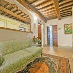 Villa Toskana TOH940 Couch