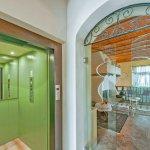 Villa Toskana TOH940 Eingangsbereich mit Aufzug