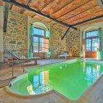 Villa Toskana TOH940 Innenpool mit Sauna