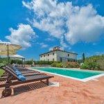 Villa Toskana TOH940 Pool mit Sonnenliegen