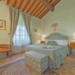 Villa Toskana TOH940 Schlafzimmer mit TV