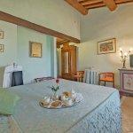 Villa Toskana TOH940 TV im Schlafzimmer