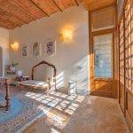 Villa Toskana TOH940 antiker Tisch und Sitzmöbel
