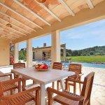 Ferienhaus Mallorca MA3355 Esstisch auf der Terrasse