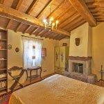 Ferienhaus Toskana TOH525 Schlafzimmer mit Doppelbett