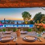 Villa Toskana am Meer TOH790 Esstisch mit Blick auf Pool und Meer