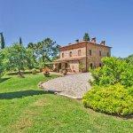 Ferienhaus Toskana TOH635 Grundstück mit Rasenfläche