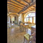 Ferienhaus Toskana TOH635 Wohnebene mit Tisch